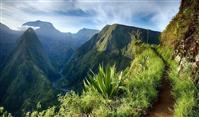 La traversée de La Réunion par le GR® R2